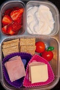 Cool blog. She post pictures of he - 300 Bento Box Recipes - RecipePin.com