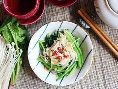 Saute Spinach with Enoki Mushrooms - 235 Chinese Recipes - RecipePin.com