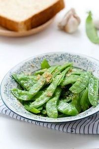 garlic snow peas stir fry - 235 Chinese Recipes - RecipePin.com