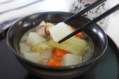 Daikon, Carrot & Pork Soup - 235 Chinese Recipes - RecipePin.com