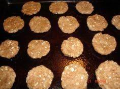 Tasty Little Peanut Butter Treats  - 400 Dog Food And Dog Treat Recipes - RecipePin.com