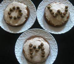pup-cakes - 400 Dog Food And Dog Treat Recipes - RecipePin.com