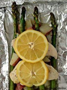 Only 7 ingredients! Lemon Chicken  - 290 Foil Packet Recipes - RecipePin.com