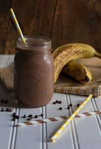 Skinny Chocolate Peanut Butter Ban - 275 Healthy Smoothie Recipes - RecipePin.com
