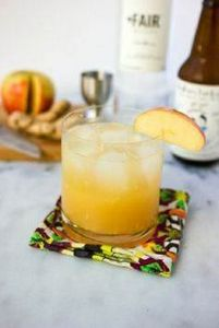 Ginger Apple Kombucha Cocktail - 300 Homebrewing Recipes to Brew at Home - RecipePin.com