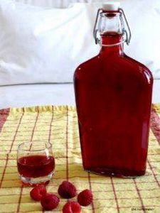 Homemade Raspberry Liqueur via uni - 300 Homebrewing Recipes to Brew at Home - RecipePin.com