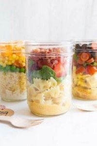 BLT Salad Jar: This BLT salad in a - 85 Lunch Box And Snack Ideas - RecipePin.com