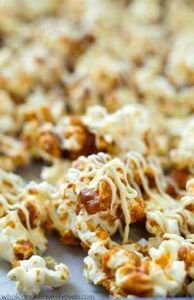 Coated in a gingerbread-spiced car - 250 Popcorn Recipes - RecipePin.com