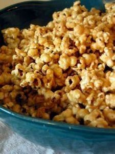 Peanut Butter Popcorn! Why have i  - 250 Popcorn Recipes - RecipePin.com