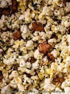 Homemade Hurricane Popcorn /by Bit - 250 Popcorn Recipes - RecipePin.com