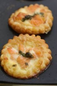 mini-tartelettes feuilletées au sa - 185 Salmon Recipes - RecipePin.com