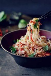 Rice noodles with miso and salmon - 185 Salmon Recipes - RecipePin.com