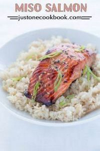 Miso Salmon (味噌サーモン) | Easy Japane - 185 Salmon Recipes - RecipePin.com