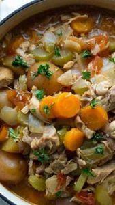 Slow Cooker Tuscan Chicken Stew ~  - 120 Delicious Stew Recipes - RecipePin.com