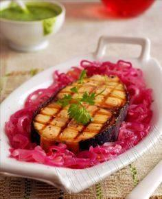 Tuna Steak with Onions - Atun Ence - 400 Tasty Tuna Recipes - RecipePin.com