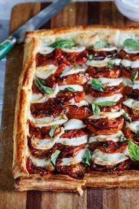 Caprese Tart with Roasted Tomatoes - 165 Vegetarian Recipes - RecipePin.com